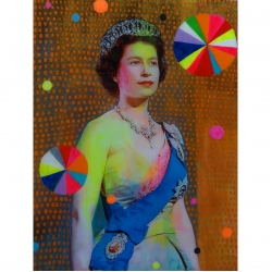 Helene Lacelle - Queen with Beachballs 8