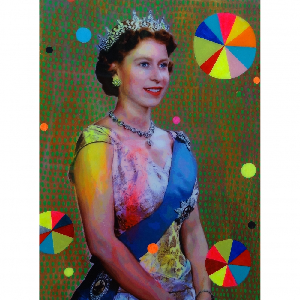 Queen with Beachballs 9 by Helene Lacelle