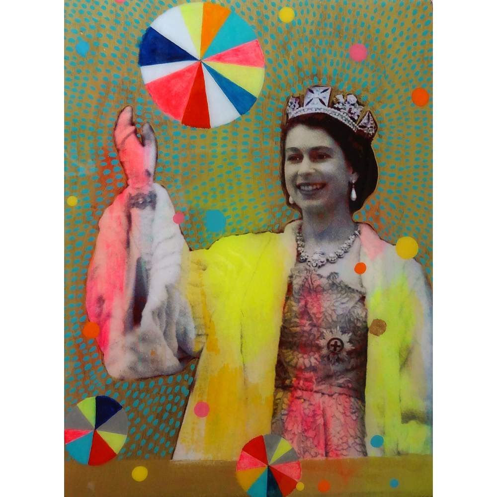 Queen with Beachballs 10 by Helene Lacelle